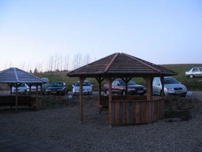 Kun få gæster havde bemærket, at Gantrup Forsamlingshus har fået egen parkeringsplads