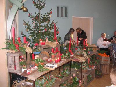 Udstilling af dekorationer fra Linds julestue